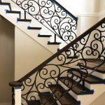 Недорогие кованые перила для лестницы