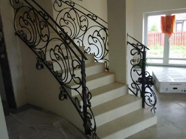 Кованые перила для лестницы с боковым креплением  Артикул № 174