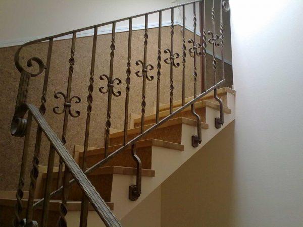 Кованые перила для лестницы с боковым креплением  Артикул № 175