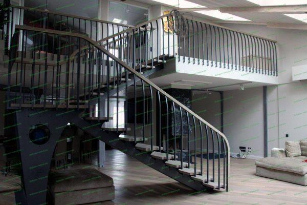 Лестница с ограждением в стиле лофт Артикул № 223