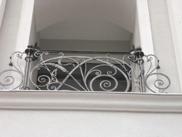 кованые ограждения балконов