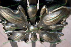 Кованые перила на крыльце